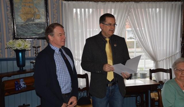 Ehrennadel für Oberstabsfeldwebel a.D. Gerhard Waltke